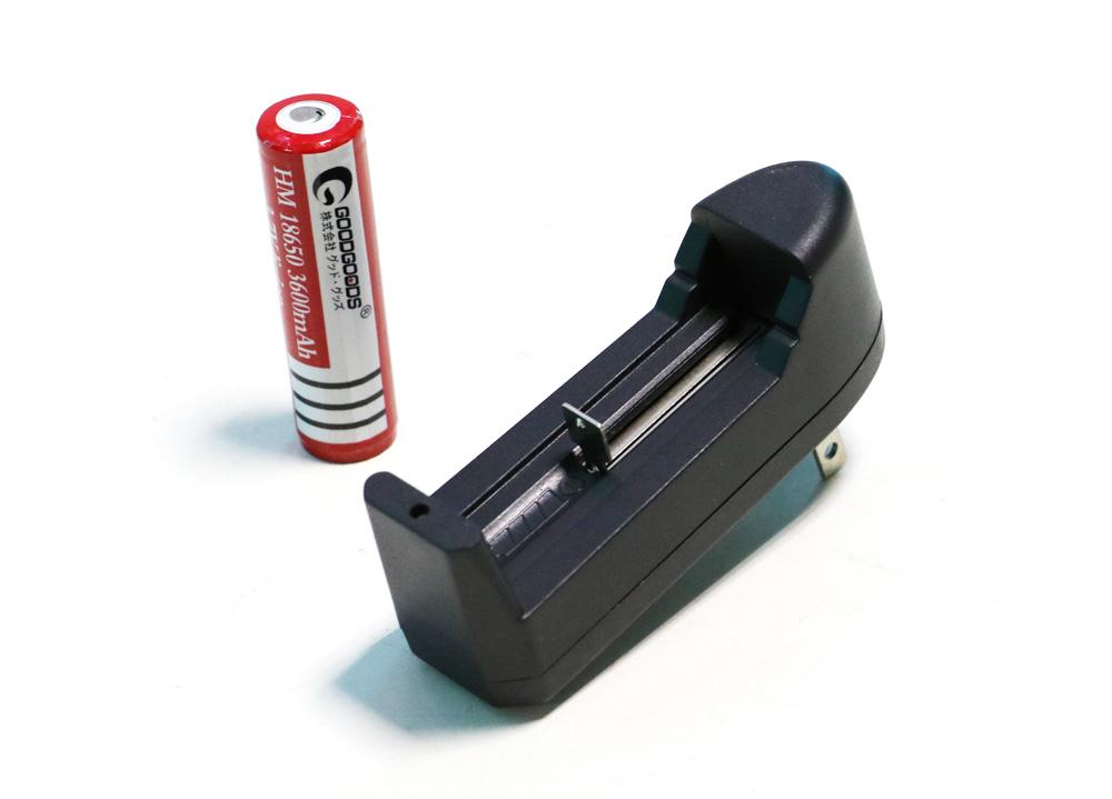 18650リチウムイオン電池専用充電器 一本同時充電可 Li-Ion リチウムイオン充電池